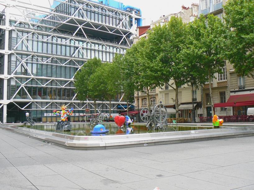 Paris paris quartier de beaubourg fontaine stravinski fontaine stravinski s - Fontaine beaubourg niki de saint phalle ...